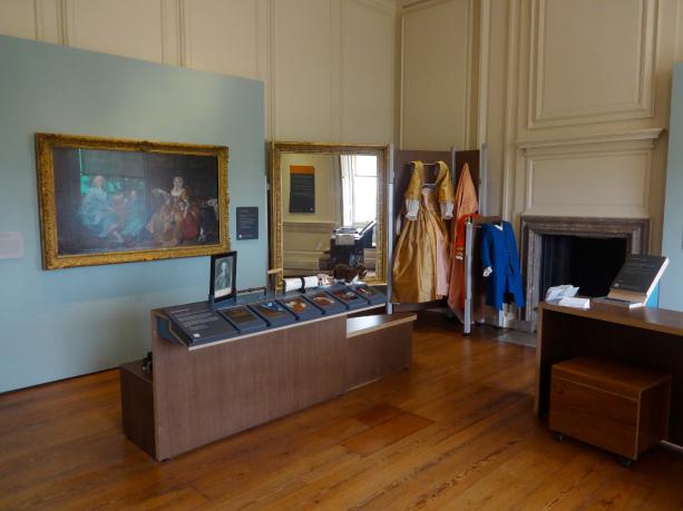 L'art du portrait : l'une des salles de médiation et d'activités, y compris costumes à porter.