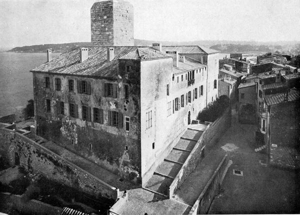 La rampe d'origine au 19ème siècle. Crédit photographique : Direction des musées, Antibes