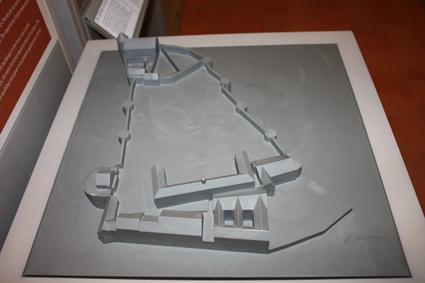maquette tactile présentant l'état du château au 21ème siècle