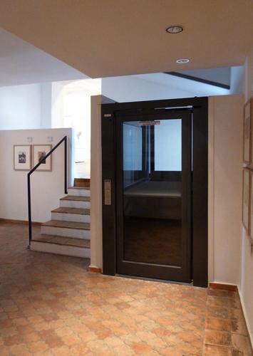 Plateforme et escalier d'accès à l'atelier Picasso