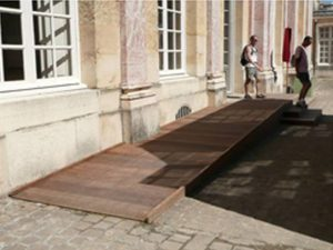 Des rampes réversibles ont été installées au Petit et au Grand Trianon.