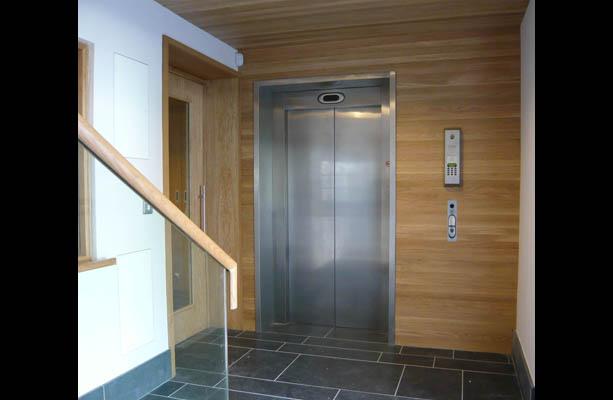 Un nouvel ascenseur permet d'accéder au premier étage