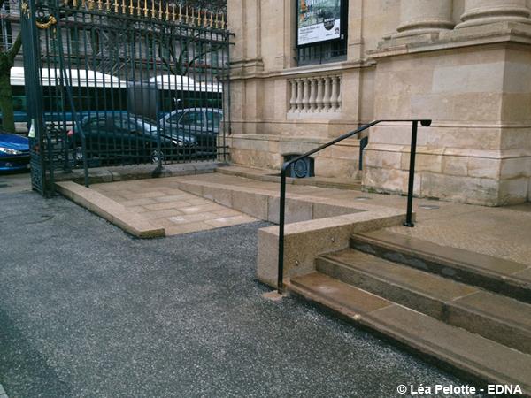 Musée des beaux arts de Bordeaux, la rampe