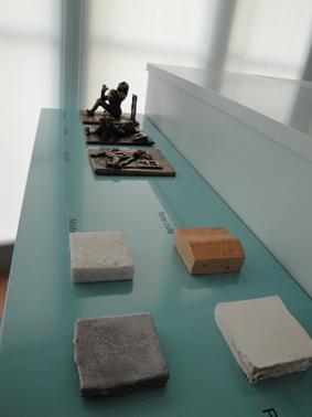 Le mobilier tactile permet de comprendre l'art de la sculpture