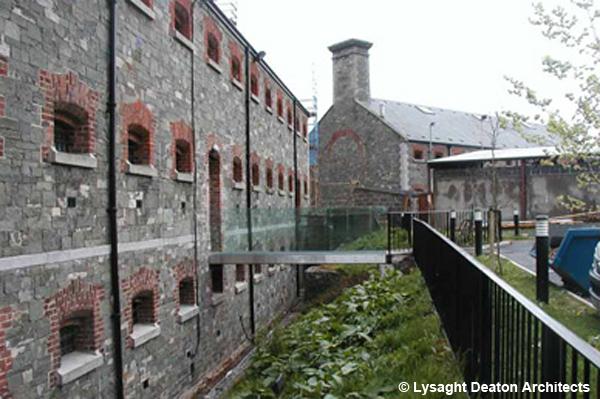 Prison Dundalk-passerelle
