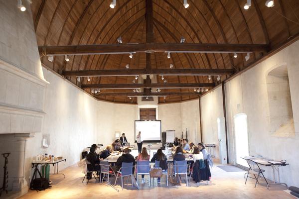 Le lancement du workshop dans une des salle du Château