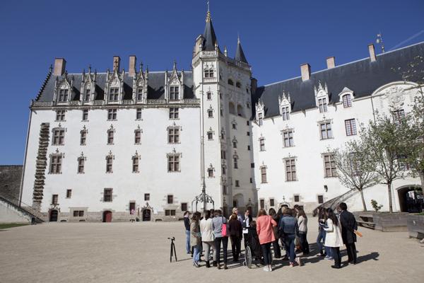 Visite du château par les étudiants
