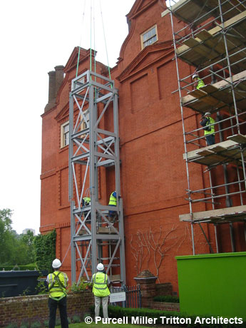 Kew Palace installation de l'ascenseur en travaux