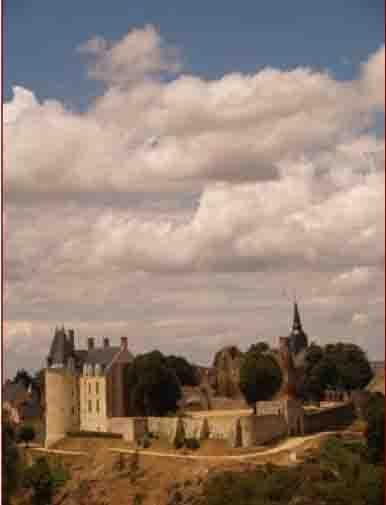 Vue de la cité médiévale reconnue comme faisant partie des «plus beaux villages de France».