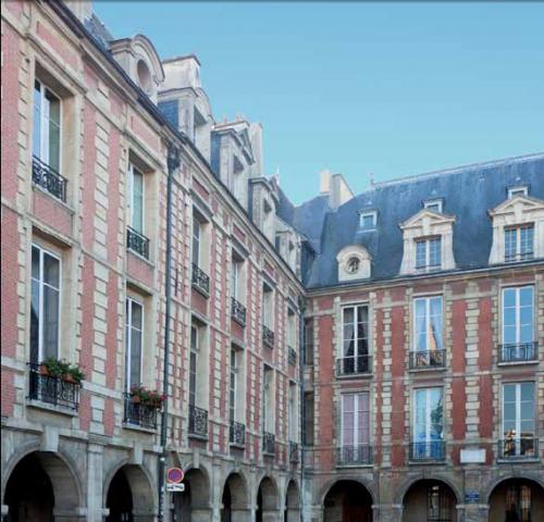 Façade de la Maison Victor Hugo, Place des Vosges