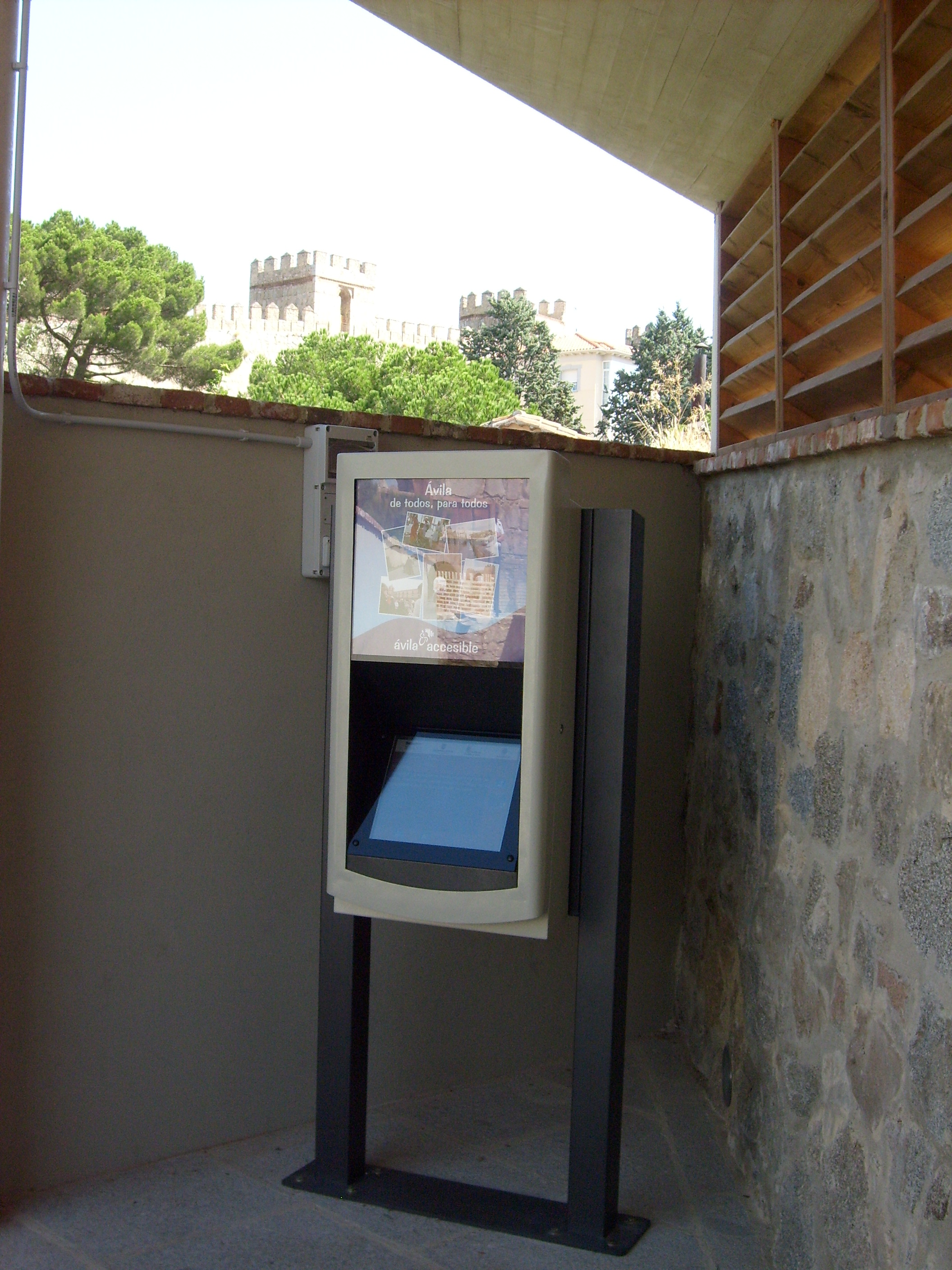 The accessible information point, with information in multiple formats – visual, audible and sign language