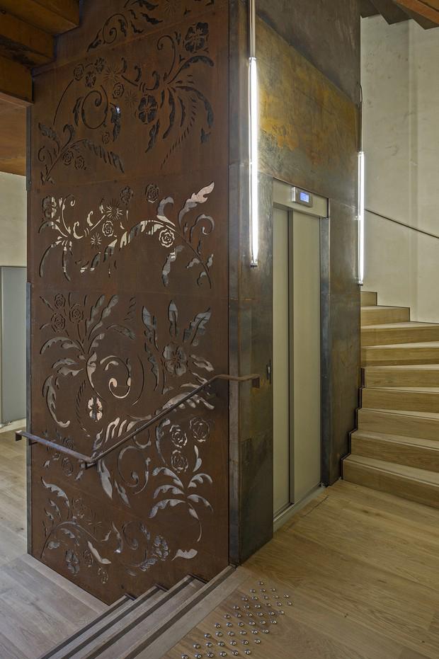 L'intégration de l'ascenseur. Crédit photographique : Arc&Sites