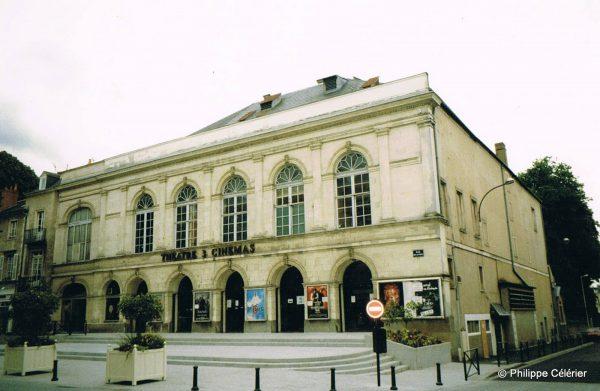 Photographie d'archive du bâtiment lorsqu'il était occupé par le cinéma. Crédit photographique : Philippe Célérier.