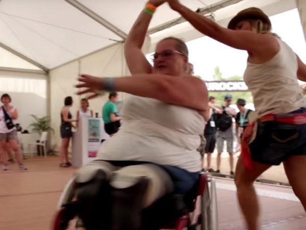 Séance de cyclo-danse par l'association Sinaps.Crédit photographique : Eurockéennes.