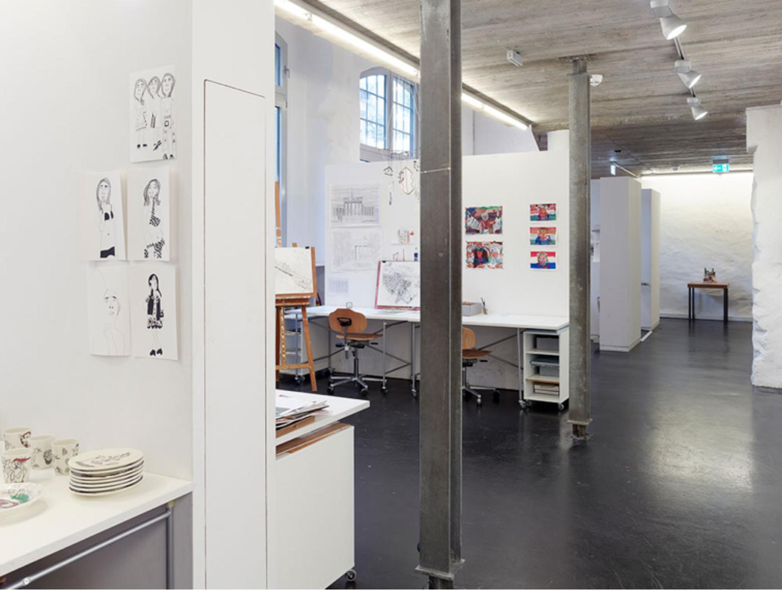 L'espace atelier du rez-de-chaussée, avec ses panneaux isolants amovibles. Photo : Simon Vogel