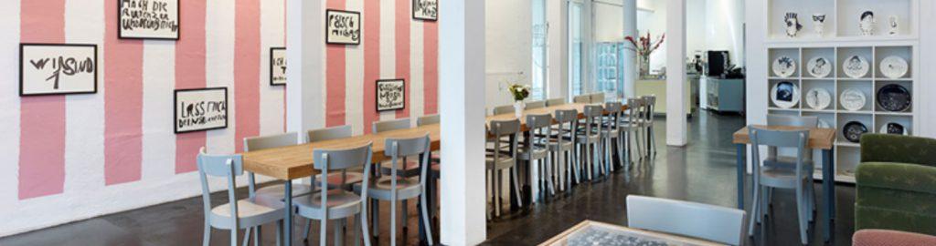 La galerie-café du KAT18. Photo : Simon Vogel