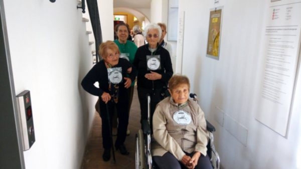 Fig. 7 The guests of a centre for people with Alzheimer visits the Carriage Museum