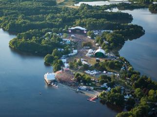 Vue aérienne du site du festival. Crédit photographique : Eurockéennes.
