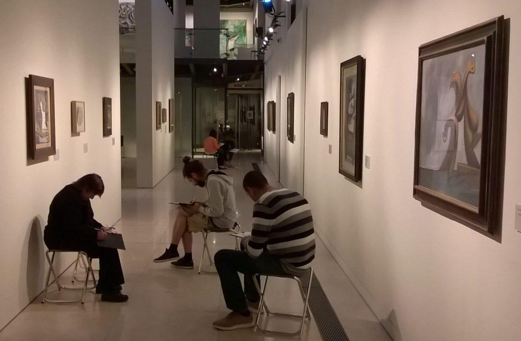 Atelier dessin avec le CATTP Argos, 22 mai 2019. Crédit photographique : Musée Granet.